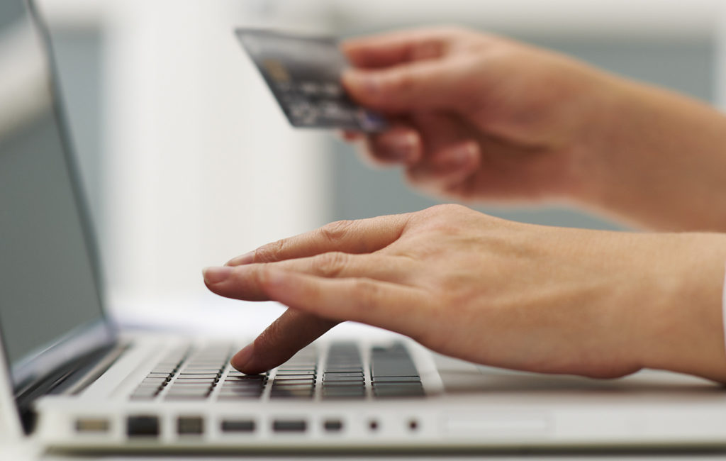 Online shopping – saving strategies you should know about
